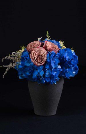 аранжировка с хортензия и рози