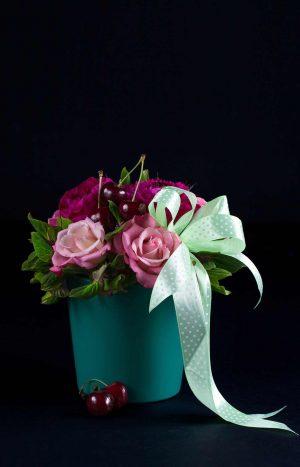 аранжировка от рози и божури