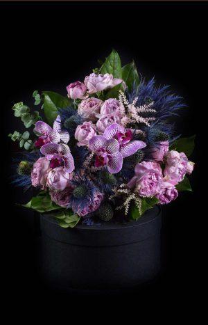 Букет с мини рози и орхидеи