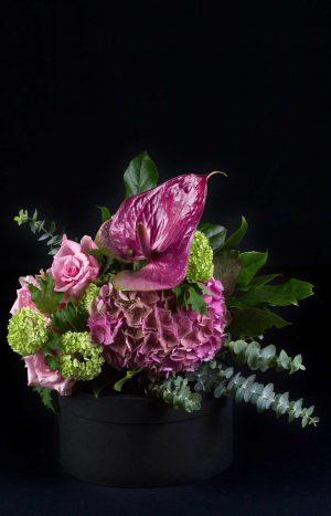 Букет от рози, хортензия и антуриум